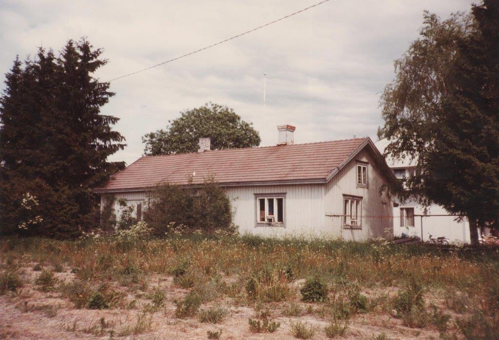 Oilaan osuuskaupanhoitajan asuinrakennus (Kuva © Eira Saario)