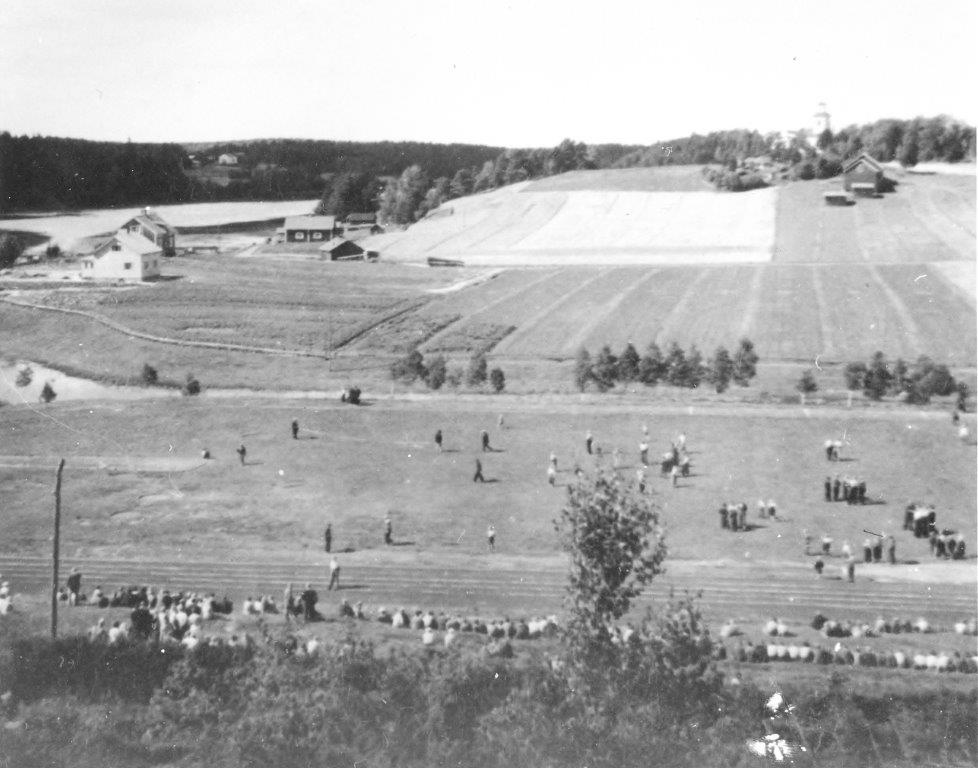Nummen Urheilukenttä 1930-luvulla, juuri rakennettu.