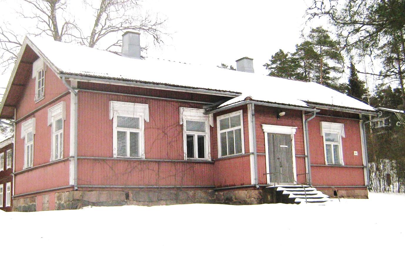 Kylätalo talvella (Kuva © Elisa Lindqvist)